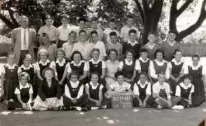 Class photo 1958. Vivienne and I together in the second row.